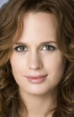 Recent Elizabeth Reaser pictures.
