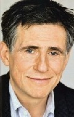 Gabriel Byrne - wallpapers.
