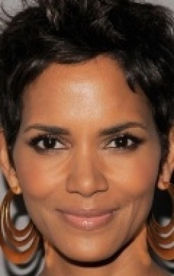 All best and recent Halle Berry pictures.