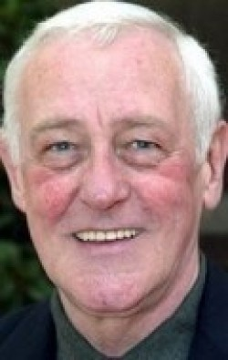 All best and recent John Mahoney pictures.