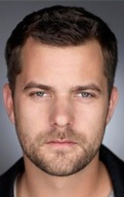 All best and recent Joshua Jackson pictures.