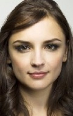Recent Rachael Leigh Cook pictures.