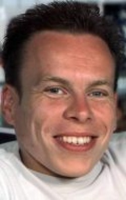 Warwick Davis - wallpapers.